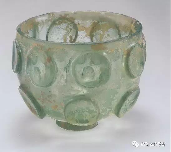 菅谷文则:从玻璃容器的传入途径所见南北朝时代的东西方交流