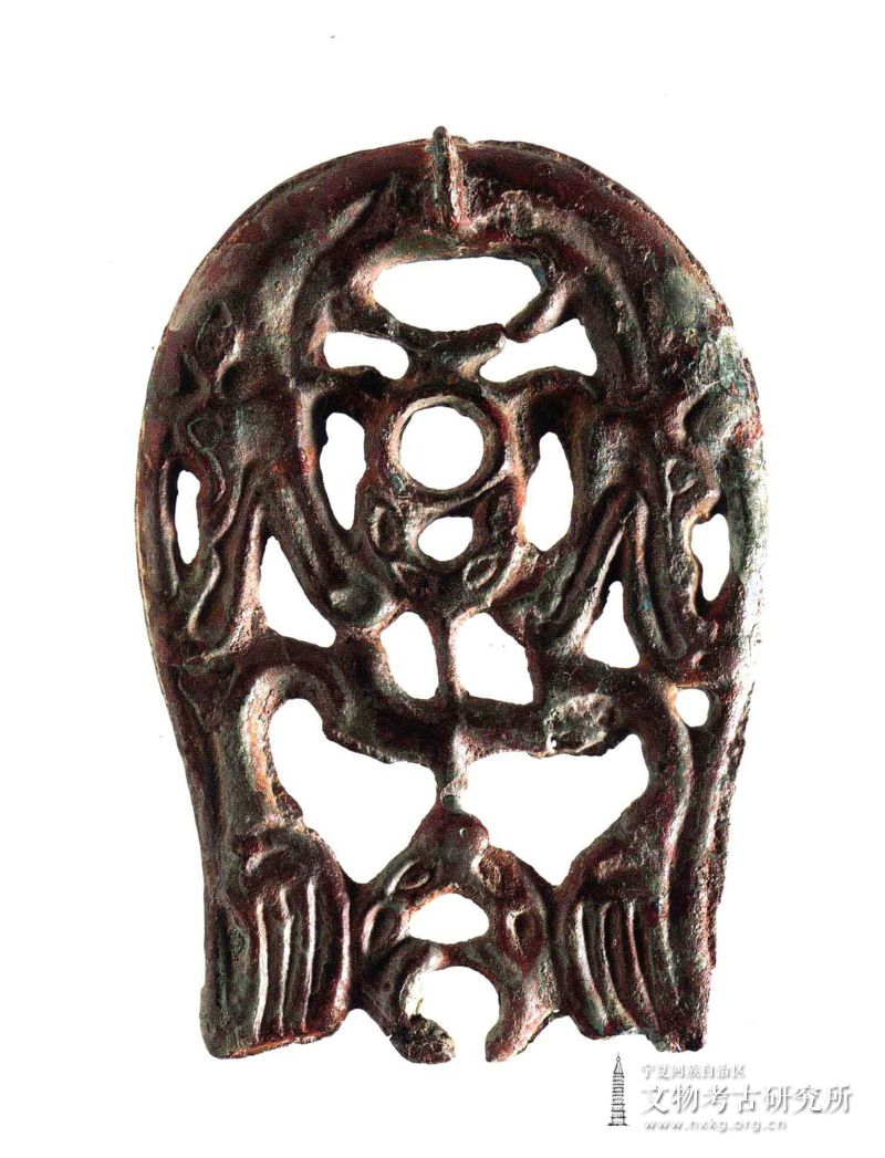 马蹄形透雕铜带扣