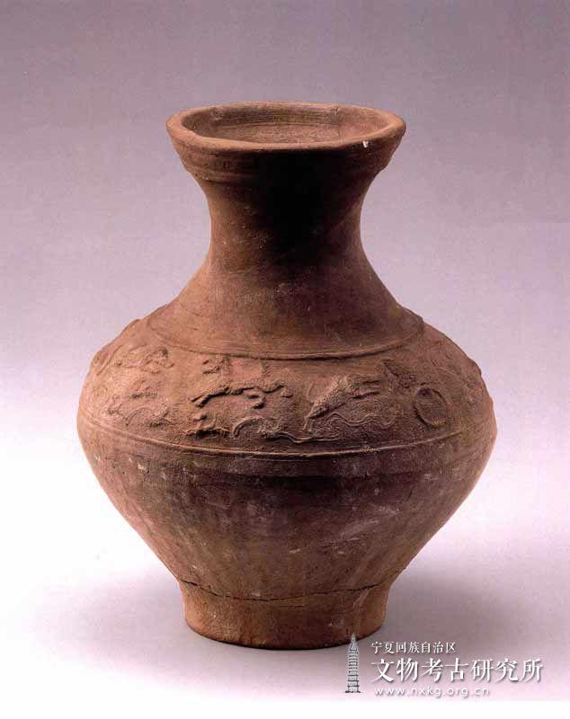 动物纹陶壶