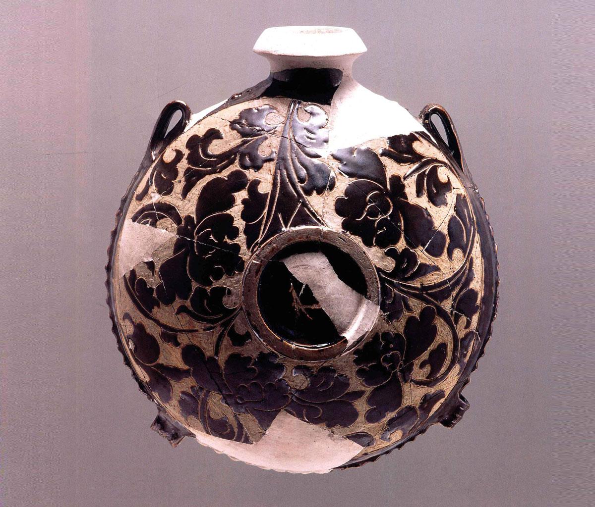 宁夏及周边地区文物考古出土的西夏瓷器