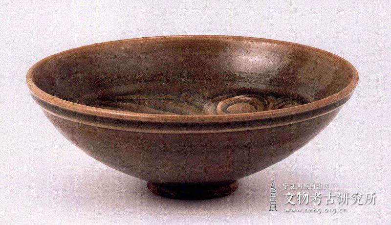 龙泉窑青釉碗