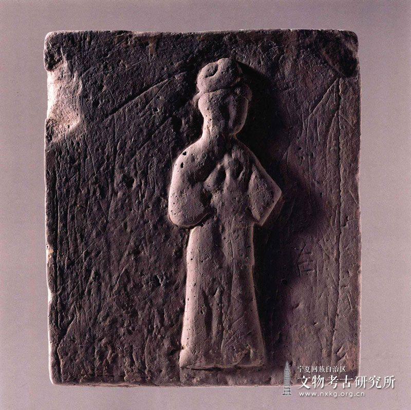 侍女图砖雕
