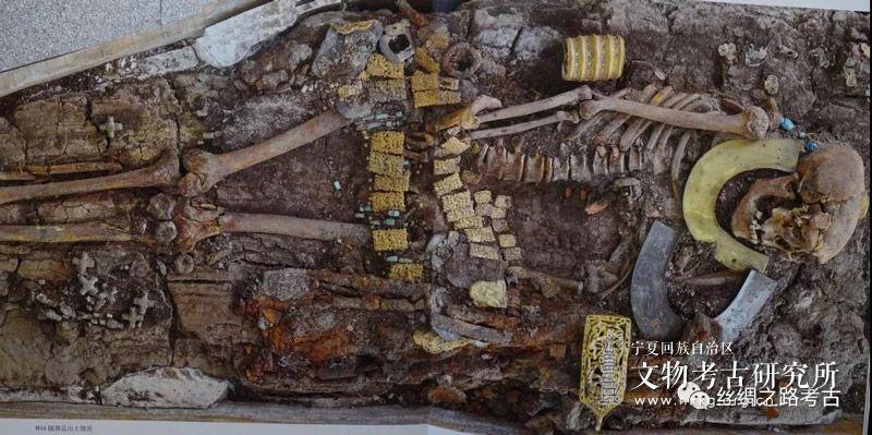 郭物:马家塬墓地所见秦霸西戎的文化表象及其内因