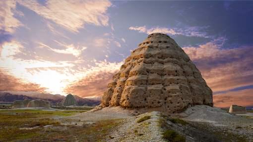 西夏陵在中国古代陵寝制度发展史上的地位