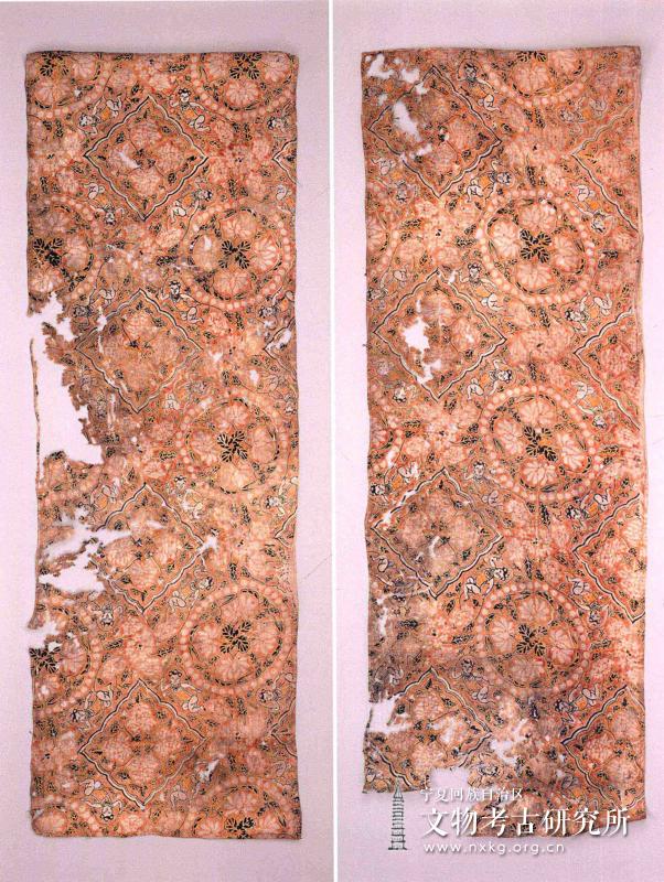 印婴戏莲纹绢(2)件