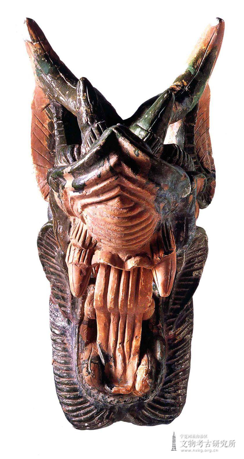 琉璃龙首形屋脊兽