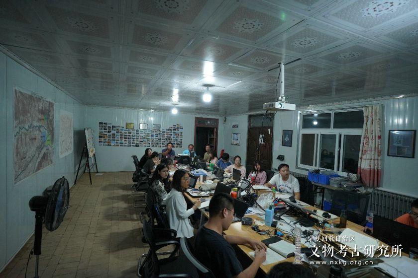 姚河塬考古工地邀请李哲博士开展《无人机遥感技术在蒙古高原考古调...